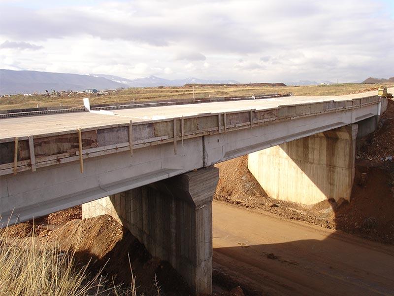 Διάφορες οδικές γέφυρες